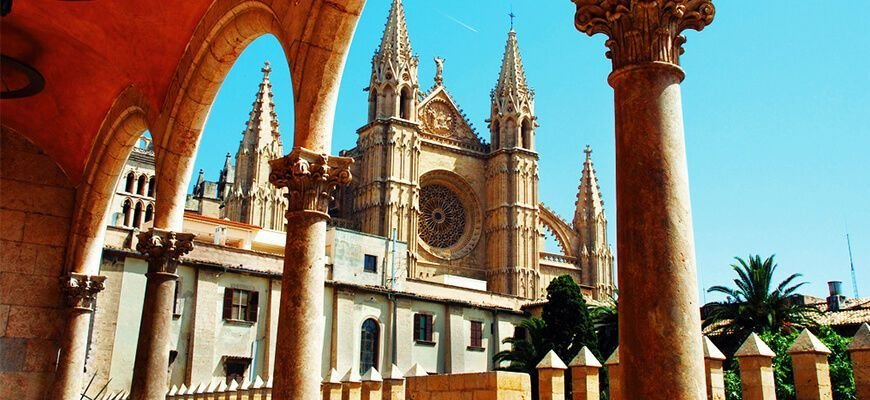 Guided tour of Palma